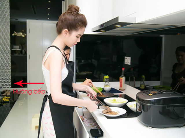 Hướng nhà bếp đẹp được xác định là hướng lưng người đứng nấu