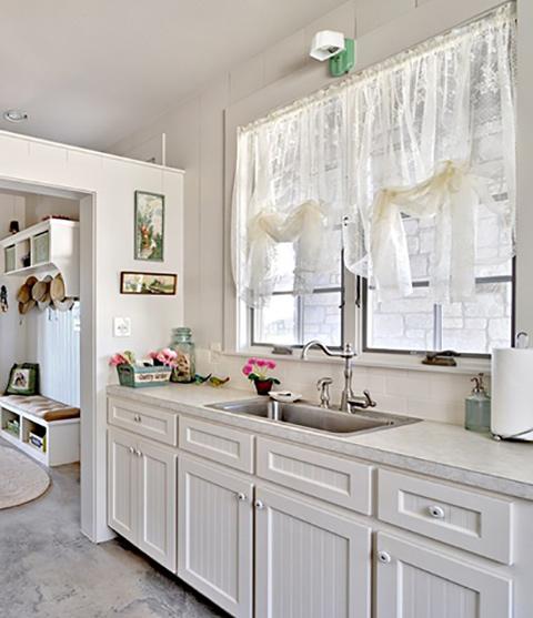 Không gian nhà bếp lãng mạn theo phong cách Pháp